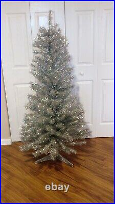 Aluminum Christmas Tree 5ft New In Box (not Vintage) With Stand