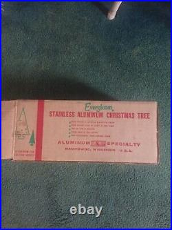 EVERGLEAM 55 BRANCH STAINLESS ALUMINUM 4 FT. CHRISTMAS TREE In Box With Sleeves