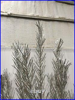 Evergleam Aluminum Christmas Tree 7 Ft 100 Branch Skirt AMERICANA