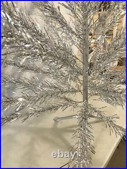 Holiday Industries 49 Branch Aluminum Christmas Tree 4 Foot Original + Instr