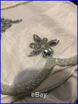 Kim Seybert Tree Skirt White Silver 62