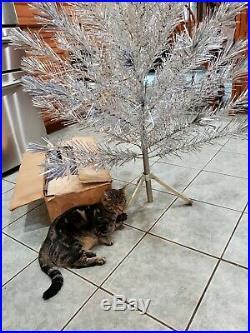 Mid Century Aluminum Silver Glow Christmas Tree 6 ft. Box Instructions