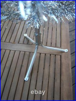 Pretty Collector's Vtg 4.5 Ft. Aluminum Stainless Silver Mirro Christmas Tree