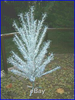 Pretty Htf Collector Vtg 6 Ft. Aluminum Stainless Silver Regal Christmas Tree