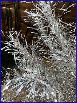 Rare Mirro 4 1/2 Aluminum Christmas Tree 55 Branches Circa 1960 & 25 Vtg Skirt