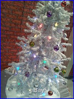 Snowing Christmas Tree 1.7 M Silver Flower Pot Base Beautiful Patterned Skirt