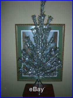 VTG NICE COLLECTOR'S HTF ROYAL PINE 4 Ft Silver Aluminum Xmas Tree