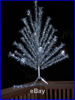 VTG NICE HTF CONSOLIDATED NOVELTY 4 Ft Silver Aluminum Xmas Tree 31 BRANCHES