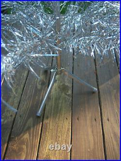 VTG RETRO HTF SHARP! 6 Ft Aluminum SPECIALTY SWIRL Silver Aluminum Xmas Tree