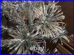 Vintage 2 FT RETRO SILVER STAR BAND STAINLESS ALUMINUM XMAS TREE 18 Sprays