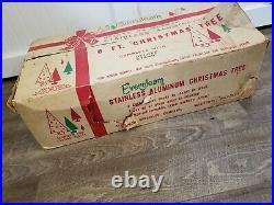Vintage 6 ft Silver Pom Evergleem Fountain Aluminum Christmas Tree 90 Branches