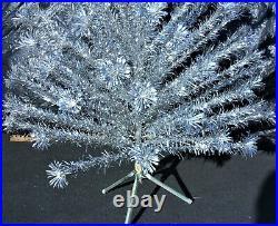 Vintage Evergleam 4606 6 Ft 94 Branch Pom Pom-Fountain Aluminum-Silver Xmas Tree