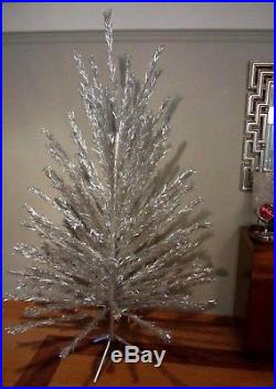 Vintage Evergleam Silver Stainless Aluminum Christmas Tree 7' Ft 100 Branch 4767