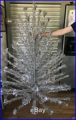 Vintage Peco Deluxe Pom Pom 6 1/2 Ft. Christmas Tree Silver Aluminum 92 Branches