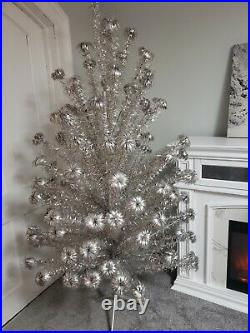 Vintage Silver Pom Pom Christmas Tree Novelty Co. Stand 8 105 Branches Aluminum