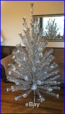 Vintage Silver Sparkler 6 Ft Pom Pom Aluminum Christmas Tree M-691e