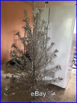 Vintage Sparkler Pom Pom 6 Ft Silver Aluminum Christmas Tree 55 Branches M-655