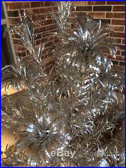 Vintage Star Band Silver Aluminum Pom Pom Christmas Tree, 2 Foot, 19 Branches, IOB