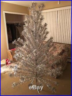 vintage silver aluminum christmas tree pom pom 106 branches - Vintage Silver Christmas Tree
