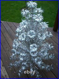 Vtg 4 Ft Sharp! Retro Silver Evergleam Fountian Stainless Aluminum Xmas Tree