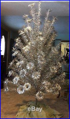 vtg u s silver tree co 6 12 ft deluxe aluminum christmas tree 100 - Aluminum Christmas Tree Ebay